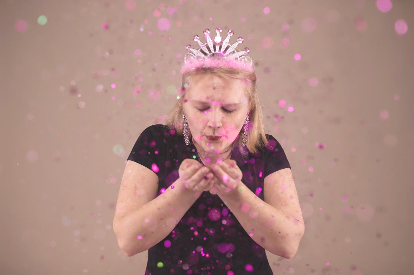 Kylie Cake Smash and Glitter